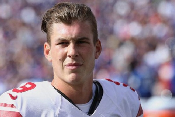 Brad Wing Autograph Signing