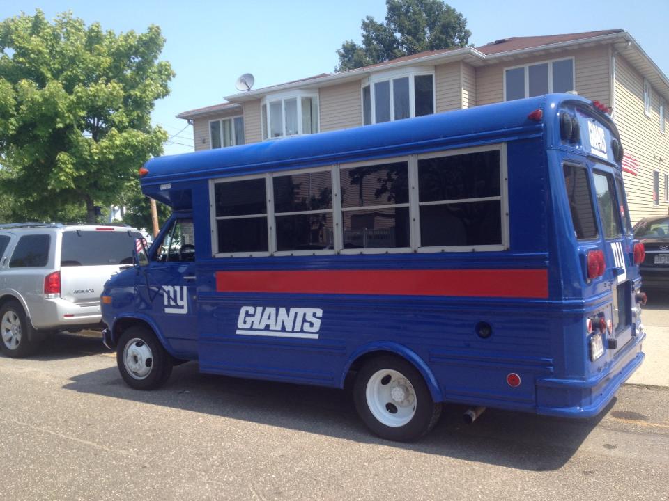 Blu Bus tailgating